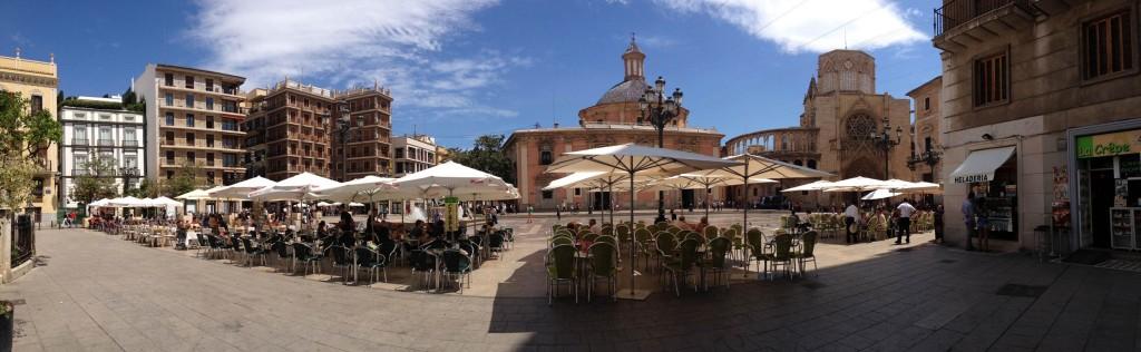 Restaurant tables at Plaça del Virgen