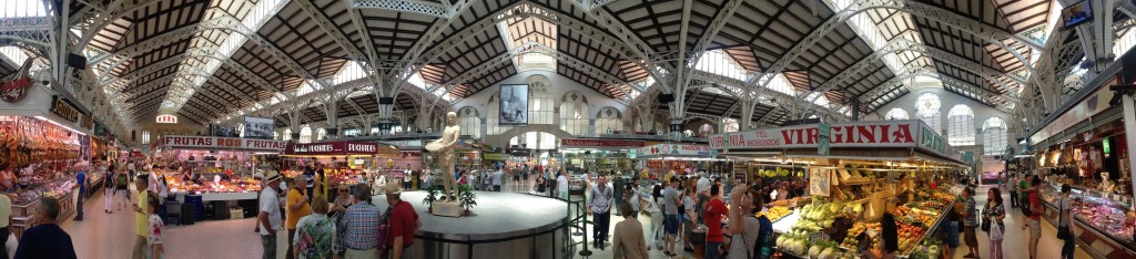 180 degrees (or so) of Valencia's Central Market. Click image for a larger version